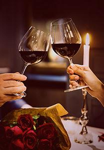 Risultato immagini per san valentino cena a lume di candela